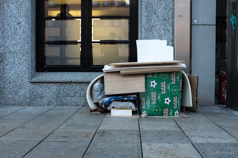 2qm, Platte eines Obdachlosen, Obdachlosigkeit in Hamburg