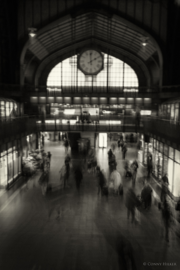 Central Station in motion 4