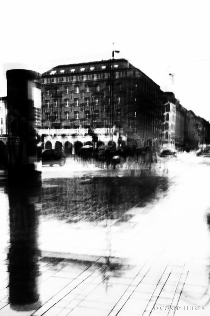 RAIN IN HAMBURG