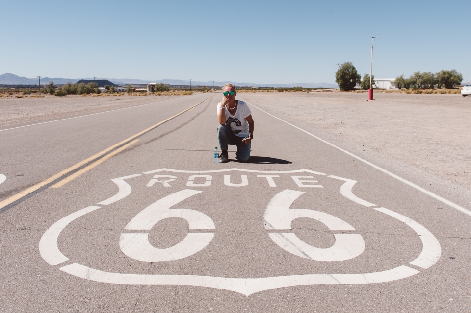 Nach der Durchquerung der Mojave-Wüste durchgeschwitzt, aber glücklich!