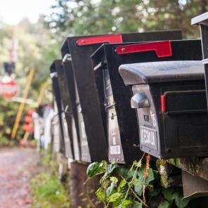 Damit der Postmann nicht klingeln muss ;-)