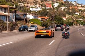 Lamborghini gegen Harley