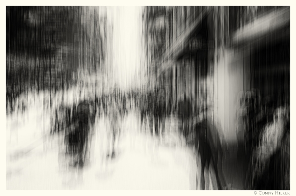 5th Avenue, New York in motion, in Bewegung, monochrom